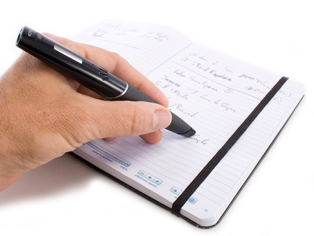 234329-livescribe-echo-smartpen-in-use